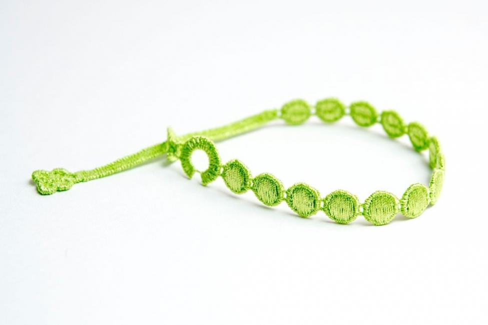 Náramok CRUCIANI Guličky neónovo žlto zelená
