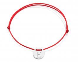 Červená šnúrka, striebro, Iniciál E