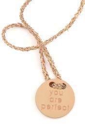 Náramok MARIESY, lesklá zlatá šnúrka s ružovozlatým medailónom YOU ARE PERFECT